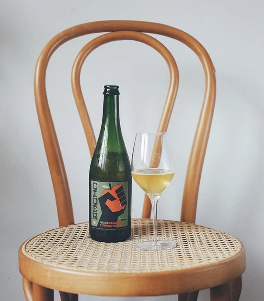 Cider i flaske og på glas